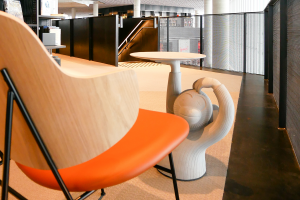 Dubový nábytok pracovne